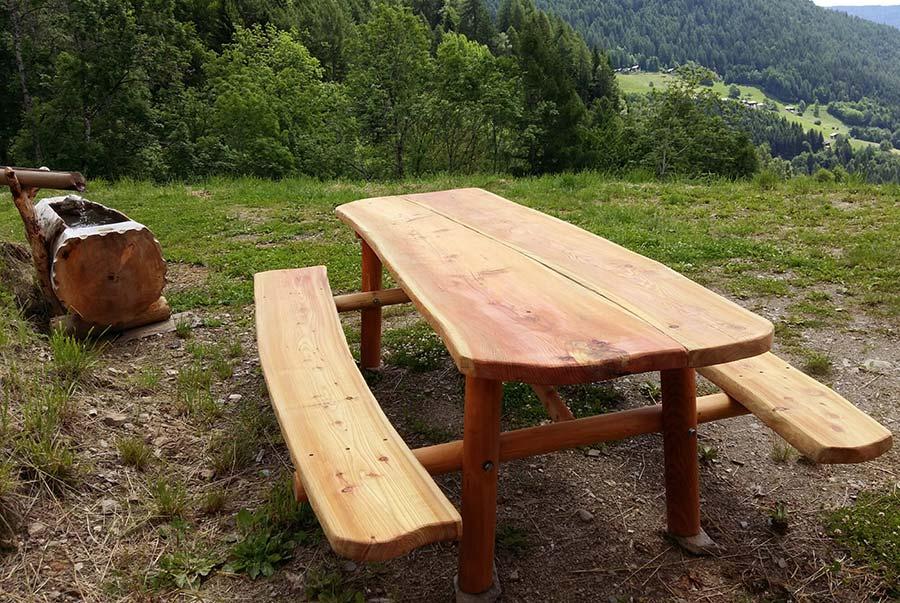 Vendita arredi per giardini in legno panche tavoli e fioriere for Scivoli in legno per giardini